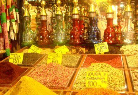 Temperos no Grand Bazaar, Istambul
