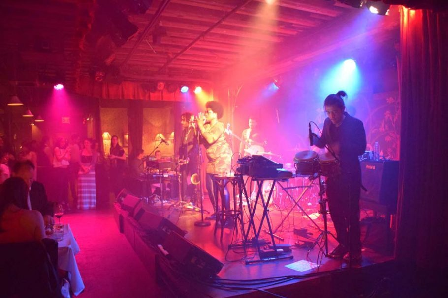 Show da banda HEATHENS
