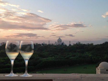 Vista do Taj Mahal da varanda do hotel Oberoi Amarvilas, em Agra
