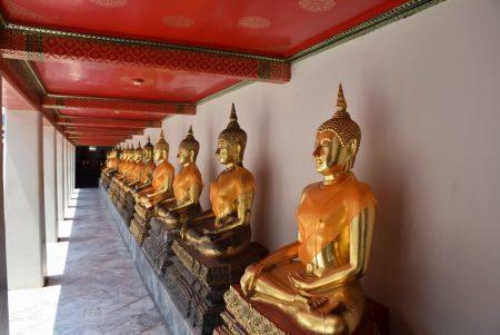 Budas no Wat Pho, em Bangkok
