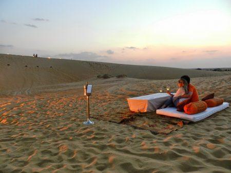 Jantar nas dunas do Deserto Thar, em Jaisalmer