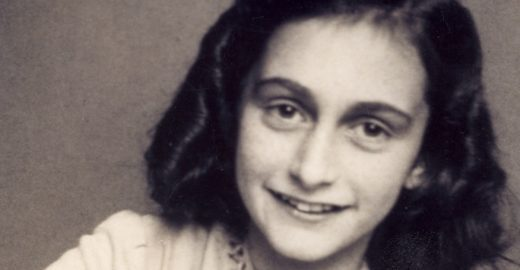 Vida de Anne Frank é retratada em mostra no Senac Largo Treze