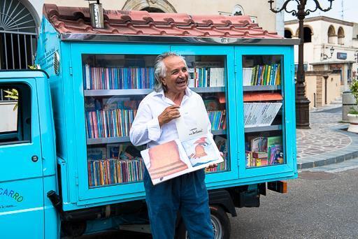 Il Bibliomotocarro/Facebook