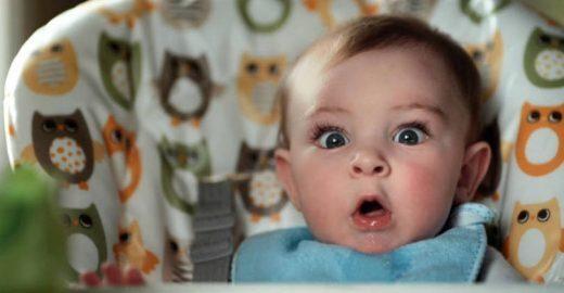 Campanha mostra expressões de bebês ao fazerem cocô