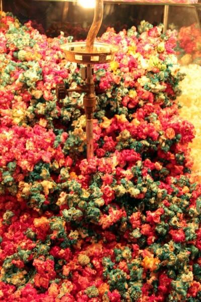 Pipocas coloridas. Foto: Gabriel Mazzo