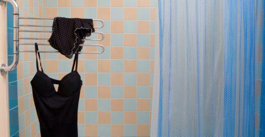 Sete coisas que todo mundo faz no banheiro (mas não deveria)