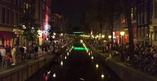 O distrito da 'luz vermelha' em Amsterdã