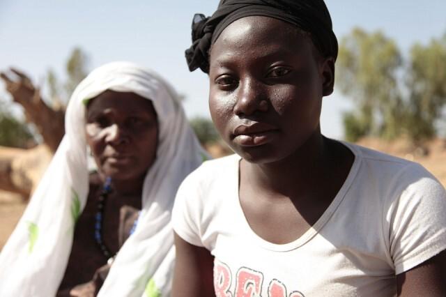 Mulheres africanas lutam contra a mutilação