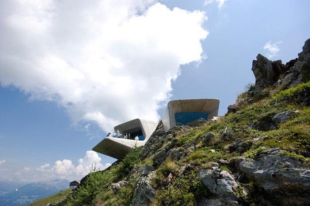 O 'Messner Mountain Museum Corones' está localizado em uma montanha (Foto: Reprodução)