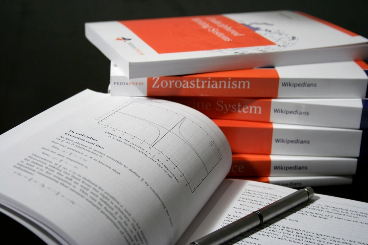 Crie um livro customizado só com os artigos da Wikipédia