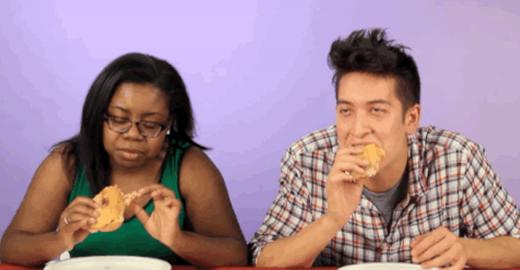 Jovens experimentam junk food de vários países do mundo
