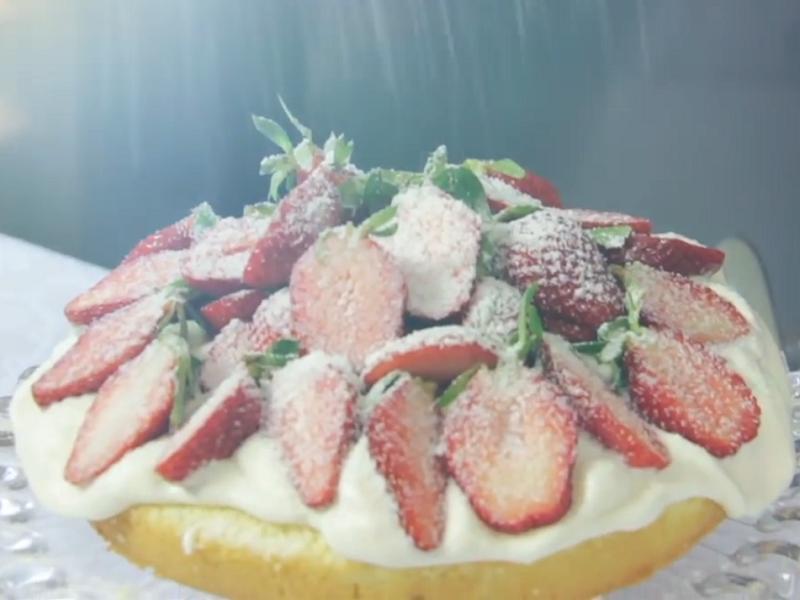 Chef confeiteira Carole Crema ensina  técnicas e truques para o preparo de mais de 10 tortas