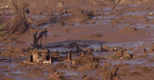 MPF denuncia 22 pessoas por desastre em barragem de Mariana