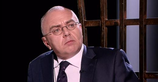 Famoso apresentador russo diz ao vivo que é HIV positivo