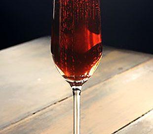 Drink com 2 ingredientes e petiscos para o Ano Novo