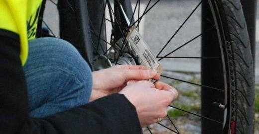 Dinamarca instala chip nas bikes que abre sinal para ciclistas