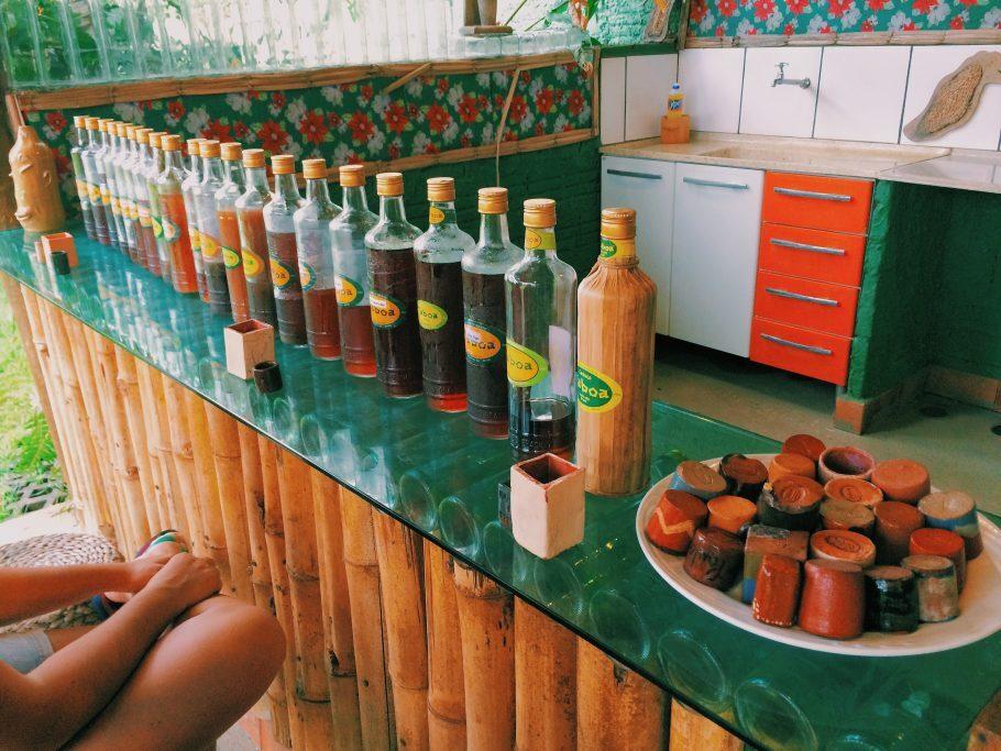 Cachaça artesanal na Fábrica da Taboa