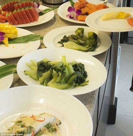 Frutas e legumes foram servidos no casamento