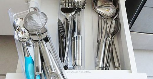 Organização das gavetas na cozinha