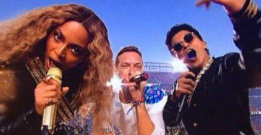 Beyoncé rouba a cena no intervalo do Super Bowl