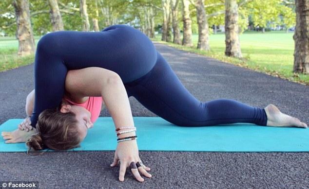 Young girls Malena Morgan and Natasha Malkova have lesbian sex on yoga matt № 544425 бесплатно