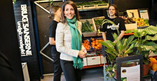 Dinamarca inaugura supermercado que só vende comida 'vencida' e pela metade do preço