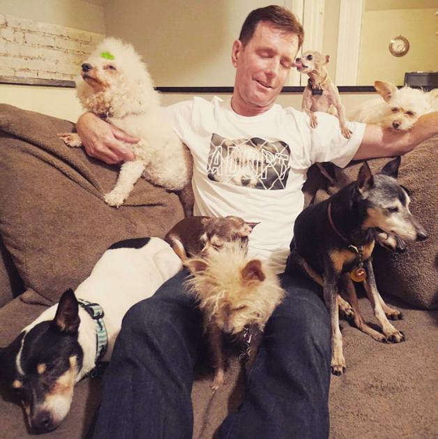 Steve e alguns de seus companheirinhos