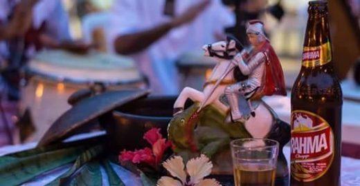Samba e feijoada animam festas em abril