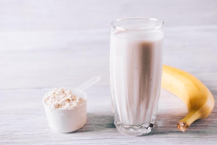 Vitamina com whey protein e frutas