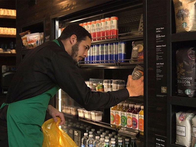Starbucks doará toda comida não vendida para pessoas necessitadas