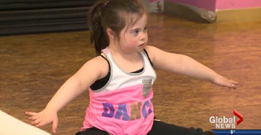 Garotinha com Síndrome de Down é negada por escola de dança e manda resposta