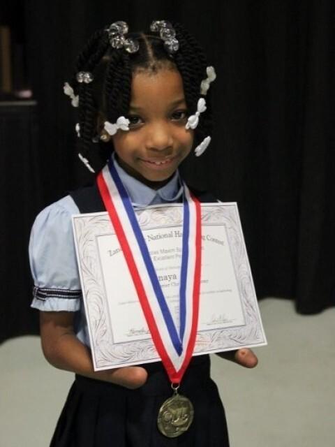 Anaya Eliick de 7 anos venceu um concurso nacional de caligrafia nos EUA