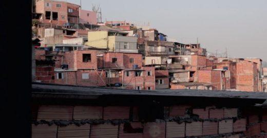 O drama de pessoas deficientes que têm de enfrentar a difícil mobilidade nas favelas de SP