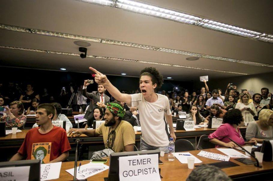 Ato foi realizado no plenário da Câmara dos Deputados