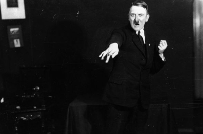 """Fotos foram publicadas na biografia """"Hitler era meu amigo"""""""