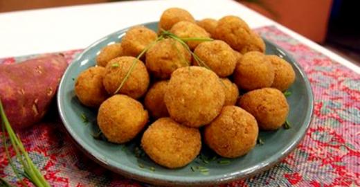 Receita de bolinho de frango com batata doce