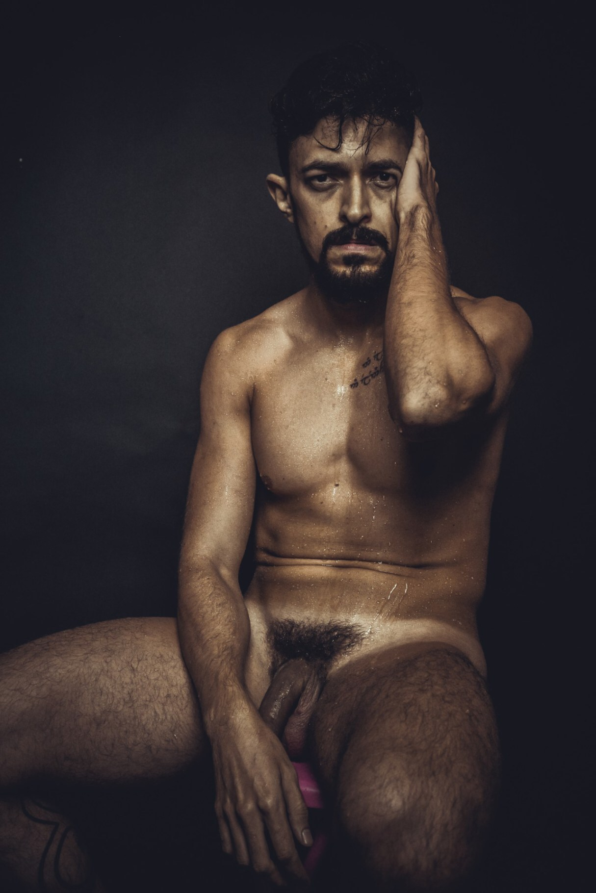 1 corpo, 100 artistas e conceitos sobre o nu