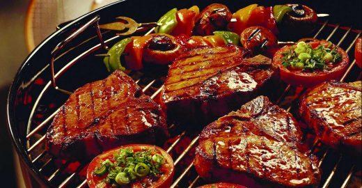 Churrasco argentino é preparado por chefs em evento