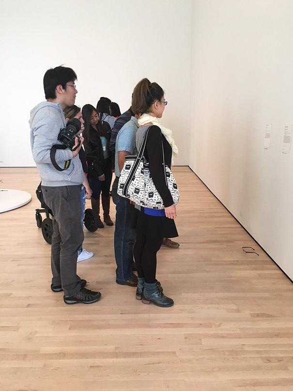 Jovem pregou pegadinha em visitantes de museu