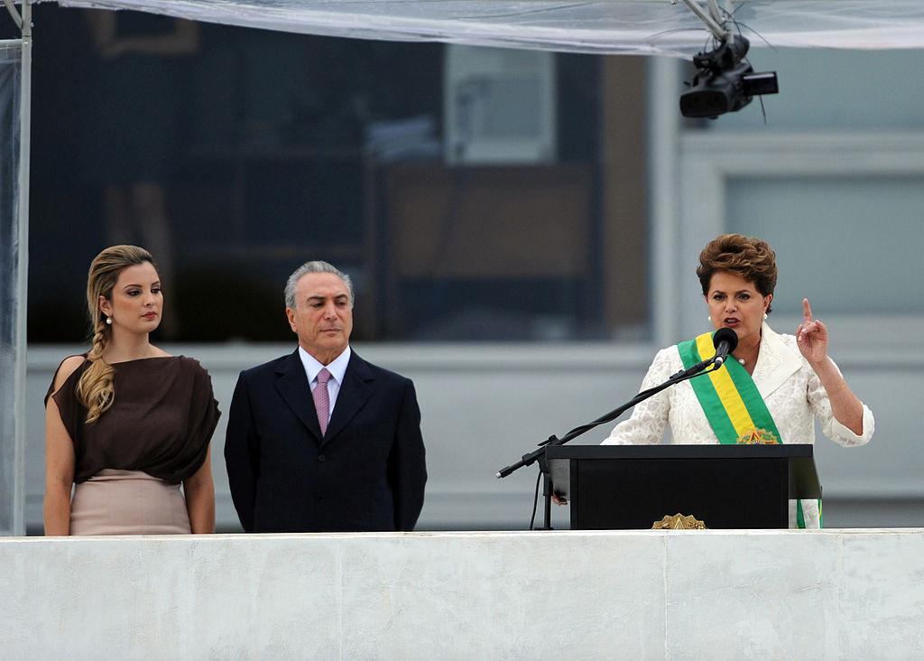 Marcela e Michel Temer ao lado de Dilma, durante a posse da presidente