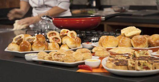 Faça e venda: chef ensina receitas de salgadinhos em curso gratuito