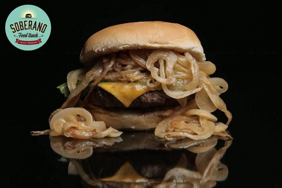 Opções de burgers presentes no cardápio do evento. Foto: Divulgação