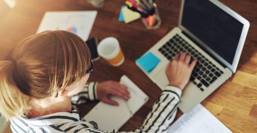 Startup oferece centenas de cursos gratuitos para você ganhar dinheiro nas férias