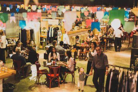A feira Larica no Mercado conta com happy hour e expositores de diferentes segmentos, gastronomia local e exposições artísticas