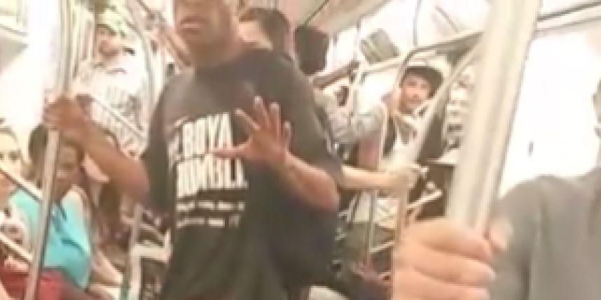 No vídeo, o homem é humilhado pela mulher dentro do metrô de Nova York