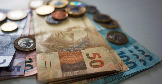 Especialistas ensinam a investir o seu dinheiro de forma prática