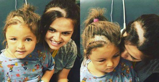Mãe raspa parte do cabelo para alegrar filha que tirou tumor