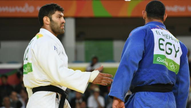 Judoca egípcio se recusa a cumprimentar israelense depois de levar ippon