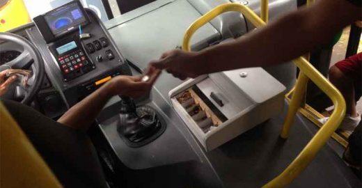 Ônibus do Move começam a circular sem cobrador em BH