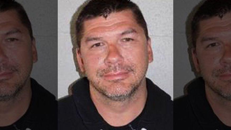 O ex prefeito, Anthony Silva, durante a foto que registou a sua prisão